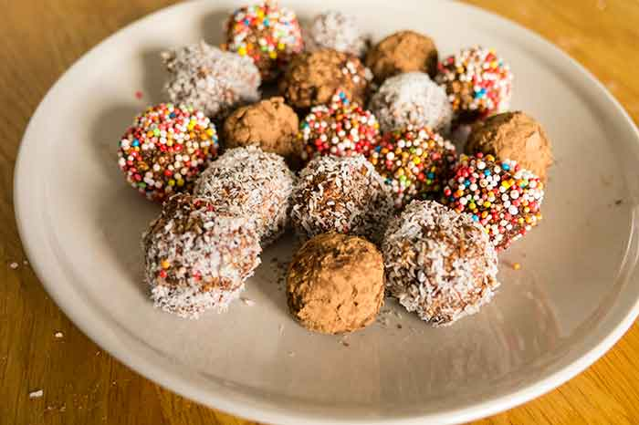 Chocolate-oatmeal-balls