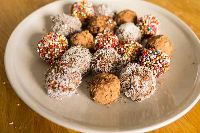 Chocolate-oatmeal-balls