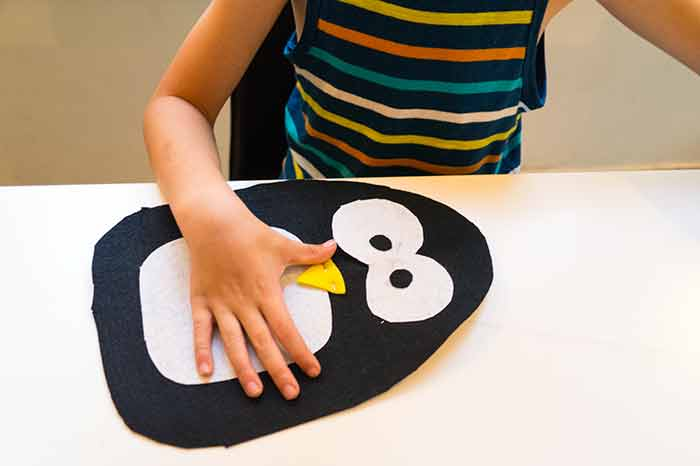 DIY-pingvin-felt-sewing1