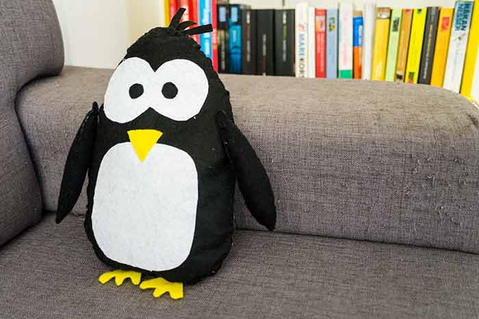 DIY Felt Penguin (with template and tutorial) Veronicas Budget