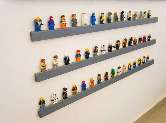 Lego-figures-on-wall