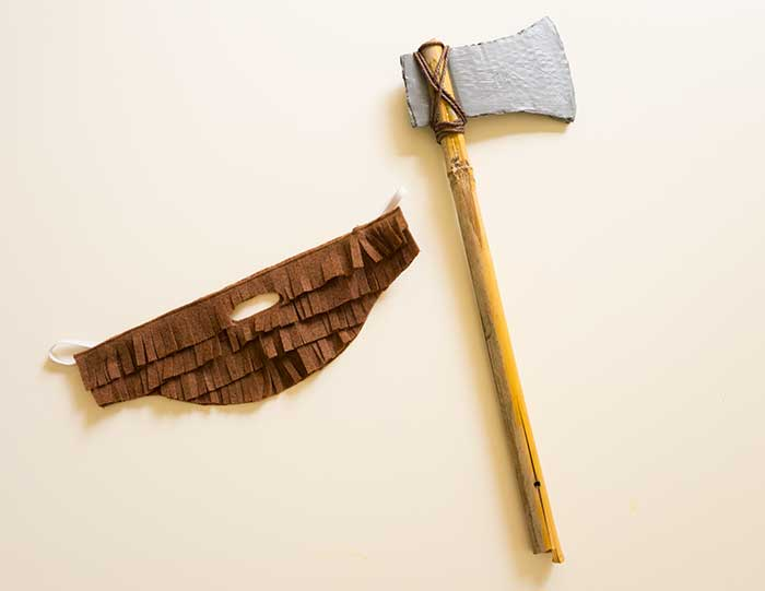 Axe-and-beard---DIY-Lumberjack-costume