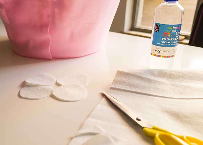 DIY-Cup-Cake-Costume-in-the-making